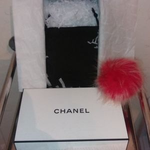 CHANEL Small Cosmetic Case